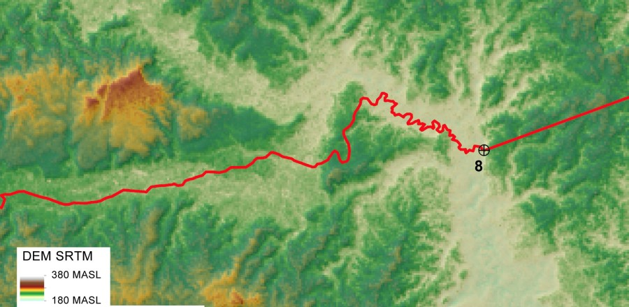 Details of the boundary section nearby point No. 8 which drifts away from the Rio Nashiño river bed.